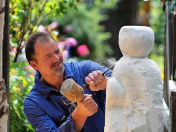 "Skulptur – ""FAMILIE"""